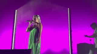 Lily Allen - Pushing Up Daises - LIVE in Los Angeles