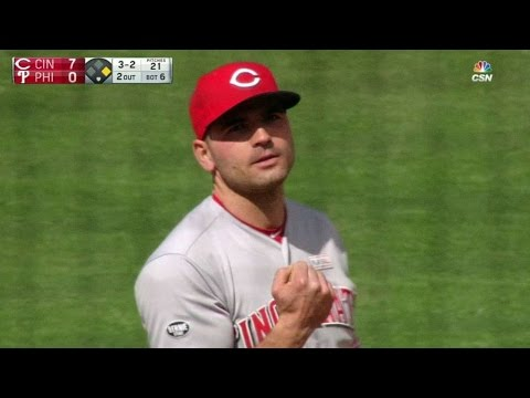 CIN@PHI: Votto fakes out Phillies fan on foul ball