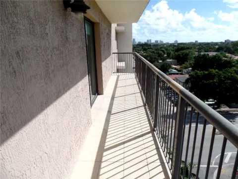 1690 SW 27 AV # 802,Miami,FL 33145 Apartamento En Venta
