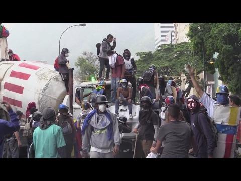 Venezuela : le pays au bord de la guerre civile ?