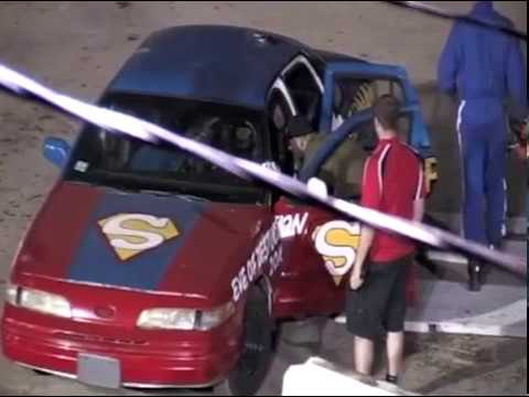 Car jumping over 2 bus' stunt