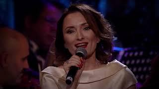 Descarca Andra & Paula Herlo - Sculati Gazde Nu Dormiti (Live La Opera Nationala)