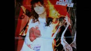 Скачать Alice Cooper Little By Little Video