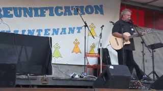Gilles Servat - Koc'h ki gwenn ha koc'h ki du pour la réunification à Nantes !