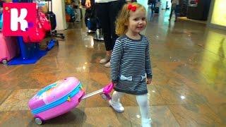 Летим в Парижский Диснейленд на самолете селимся в отель Fly to Disneyland by plane(Катя с семьей летит в Париж на самолете (Франция) посетить самые лучшие места и провести несколько дней..., 2015-09-18T05:53:58.000Z)