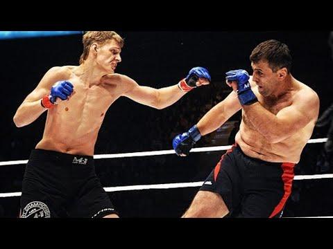 ЭТОТ БОЙ ВОШЕЛ В ИСТОРИЮ! 20-ти летний Александр Волков против легендарного Ибрагима Магомедова