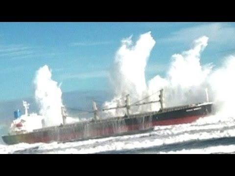 Scary Huge Wave Hits Ship YouTube - Giant wave hits cruise ship