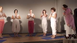 Aranytükör Stúdió - csoportos jóga bemutató