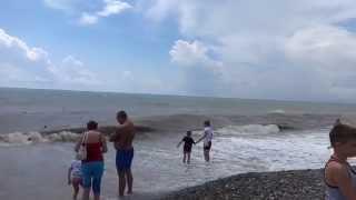 Грязное море - последствия ПОТОПА в СОЧИ. Лазаревское, на улице Калараша. SOCHI RUSSIA