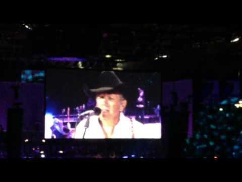 George Strait - The Cowboy Rides Away Tour (Chicago 2014)