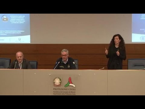Coronavirus, Borrelli: «In fabbrica mascherine se distanza di sicurezza è impossibile»