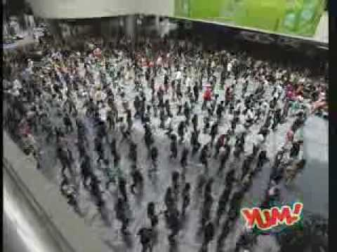 Official Jollibee Flash Mob Dance Video at SM Mall of Asia