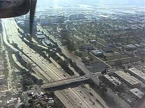 Landing at Los-Angeles Airport in a Bombardier DASH-8 Q400 Twin Turboprop, Alaska Airline -4