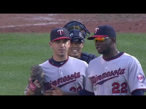 MIN@BAL: Milone seals extra-inning win, first save