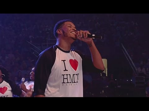 UNC Men's Basketball: Kennedy Meeks Shows Off His Singing at 2015 LNWR