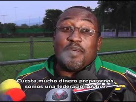 """""""TODOS QUISIERAN CAMBIAR PLAYERAS CON 'CHICHARITO'"""": DT DE GUYANA"""