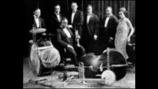 JOE 'KING' OLIVER'S JAZZ BAND AND LOUIS ARMSTRONG