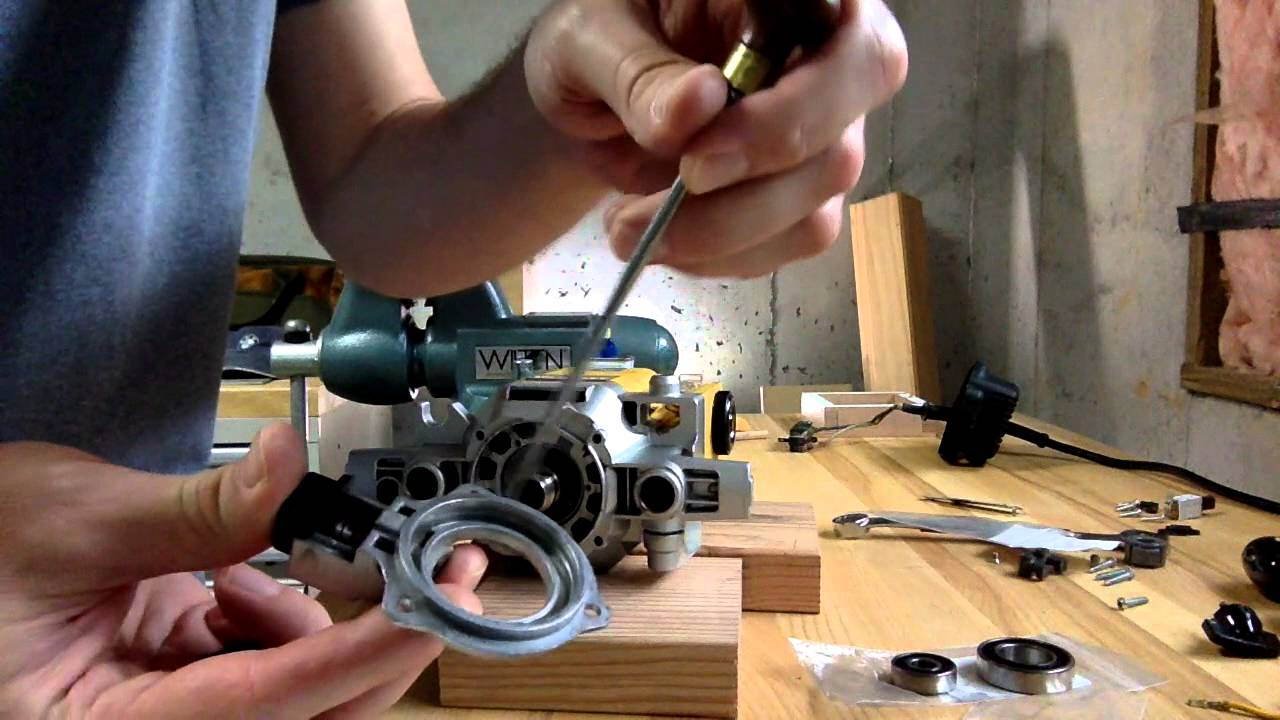 Replace Dewalt Dw625 Router Bearings Youtube