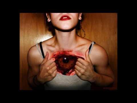 Tatuajes realistas para mujer, efecto desgarro de piel