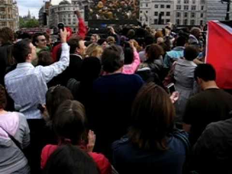 T-mobile sing-along Trafalgar Square #1