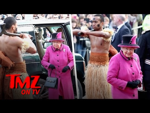Queen Elizabeth What Is She Looking At? | TMZ TV