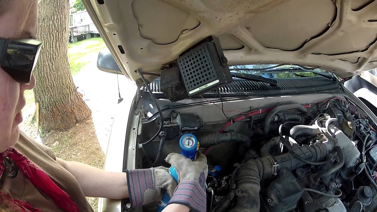Recharging The Ac Unit In My Truck Youtube