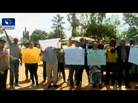 Staff Of Nat'l Lottery Regulatory Commission Protest In Plateau