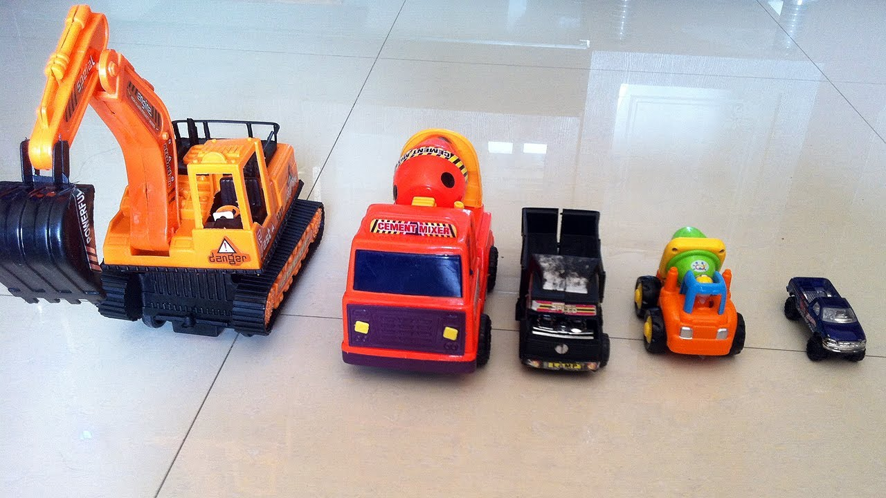 construction toy trucks garbage and trash trucks for children at work by jeannetchannel youtube. Black Bedroom Furniture Sets. Home Design Ideas