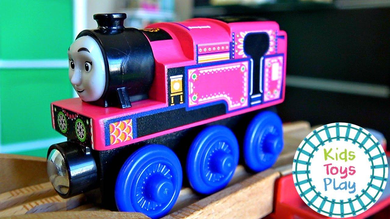 Thomas the Train Mystery Wheel Downhill Toy Train Races
