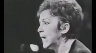 'Edith Piaf'. 'Non, je ne regrette rien'