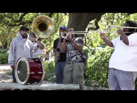 """Free Agents Brass Band perform """"Saints"""" on the streets of New Orleans"""