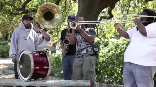 "Free Agents Brass Band perform ""Saints"" on the streets of New Orleans"