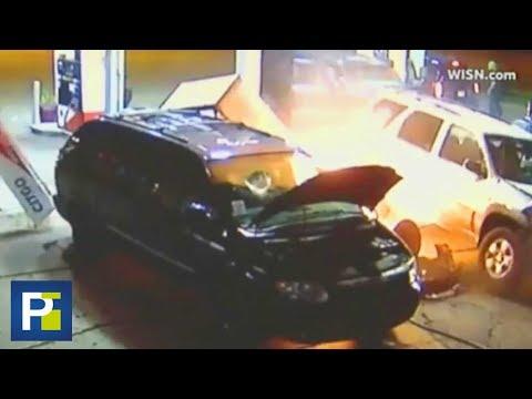 Auto arranca de raíz una bomba de gasolina y provoca un incendio en Wisconsin