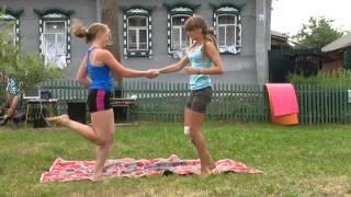 Как научиться акробатике в домашних условиях: фото и видео для начинающих. Акробатические трюки для детей и взрослых