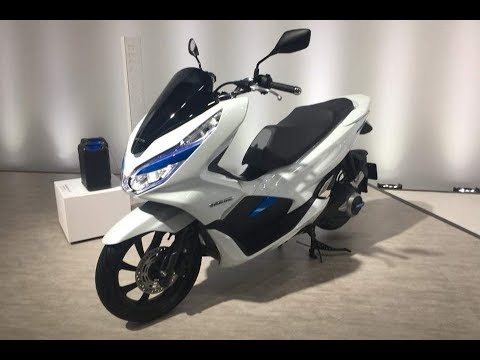 honda pcx 2018 le scooter passe l 39 lectrique et l 39 hybride en asie youtube. Black Bedroom Furniture Sets. Home Design Ideas