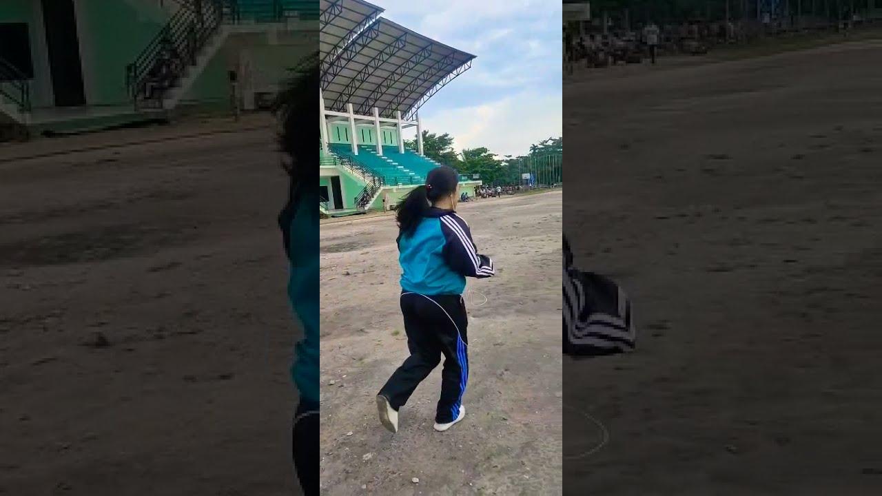 Viral!!! Lari cepat 19 detik 1/2 Lapangan Sepakbola 😮