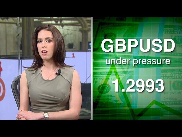 Euro remains under pressure