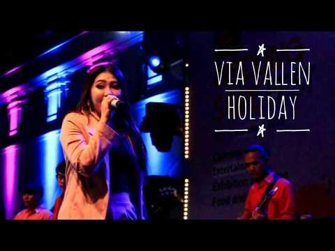 Via Vallen - Holiday | Live Perform 17 November 2018 Gedung Sate, Bandung