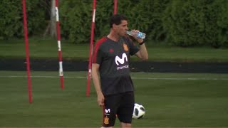 Football/WC: Fernando Hierro holds first training as Spain coach