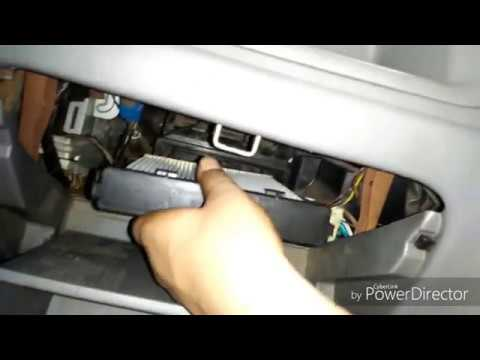 HOW TO REPLACE  CARS CABIN FILTER OR AC FILTER(IN HINDI)  IN ALTO AND MARUTI SUZUKI VEHICLES