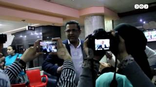 رصد | تجمع الصحفيين لسماع الحكم بقضية النقيب السابق يحيى قلاش