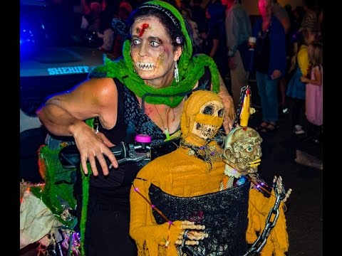 KREWE of BOO Halloween Parade in New Orleans 2016  sc 1 st  YouTube & KREWE of BOO Halloween Parade in New Orleans 2016 - YouTube