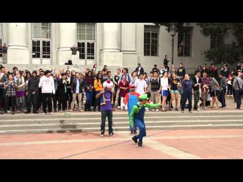 UC Berkeley Gangnam Style Flash Mob