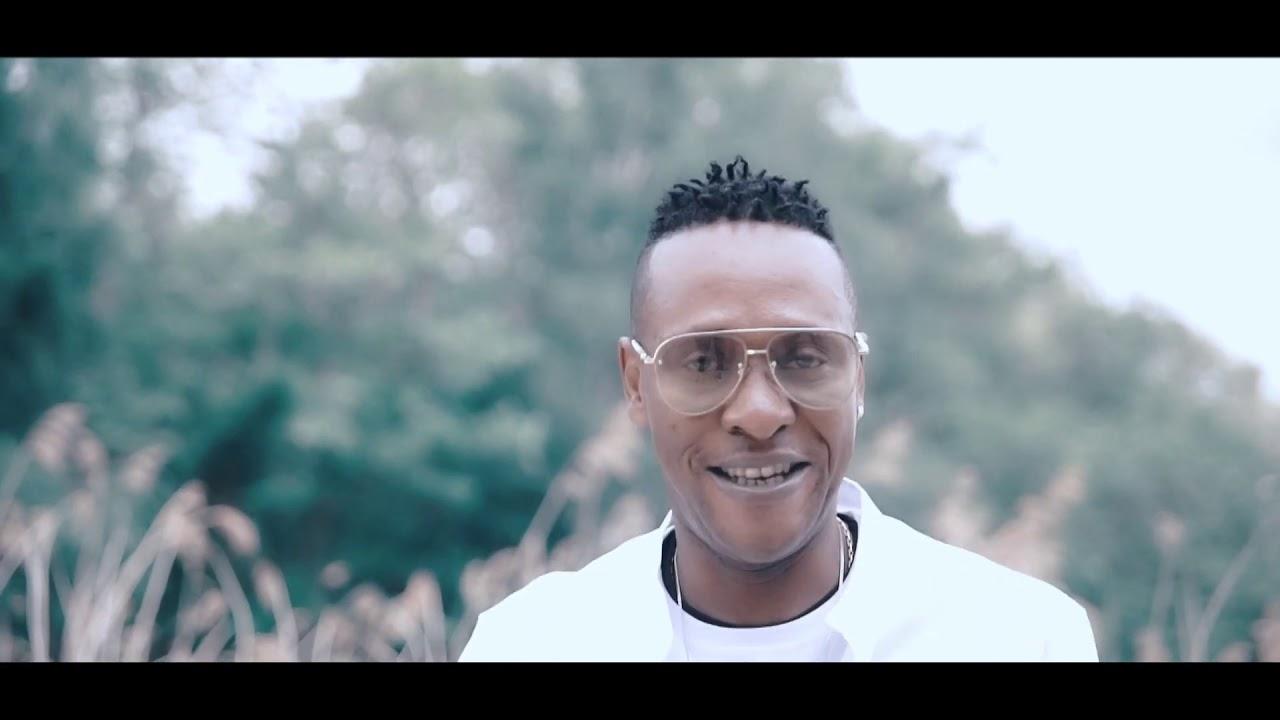 Yourri achidol clips officiel kindoki ya mukolo 🎤🎻