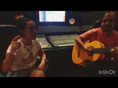 Compositora de Fiebre Ricky Martin, Wisin y Yandel (video del dia que se compuso)