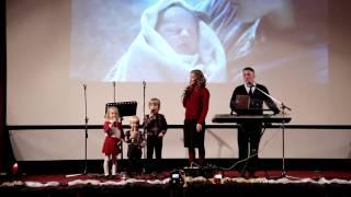 Concert de colinde- Lucian si Adelina- Cine vine, cine