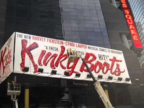 KINKY BOOTS takes Times Square!