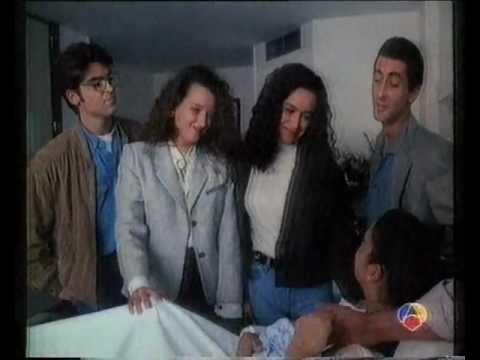 """LINA MORGAN EN """"COMPUESTA Y SIN NOVIO"""" Nº 12: EL BAUTIZO"""