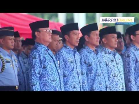Presiden Jokowi Pimpin Upacara HUT Korpri...