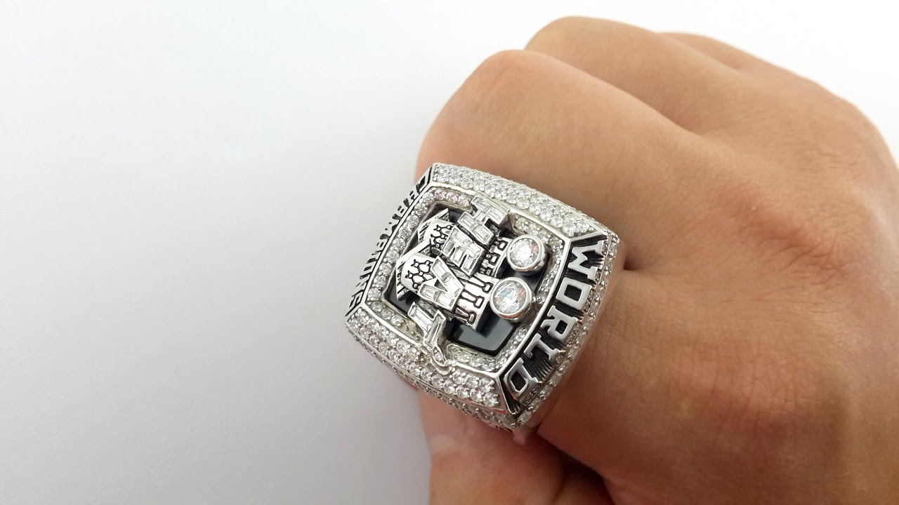 To Heat Fans Miami Heat 2013 Championship Ring For Mvp James Replica Youtube